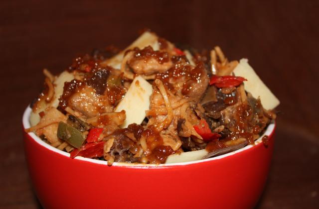 Sauté de porc caramélisé façon Pad Thai - Photo par annfleur