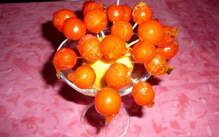 Présentoir de chupachups de tomates cerise caramélisées - Photo par claudeJmb