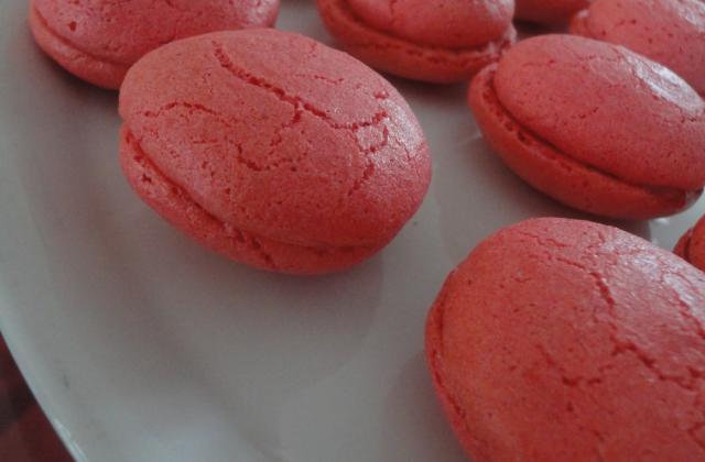 Macarons craquelés au foie gras et chutney d'oignons rouges au miel - Photo par A Prendre Sans Faim