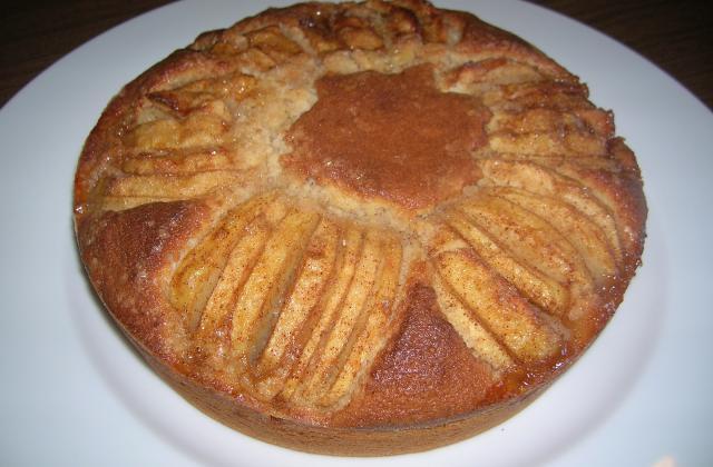 Gâteau aux pommes caraméliées - Photo par carofiH