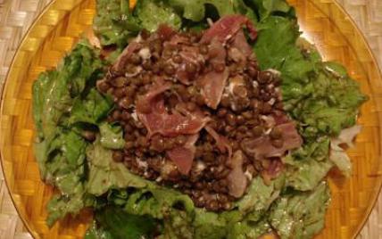 Salade de lentilles au jambon cru et au chèvre - Photo par delphinetika