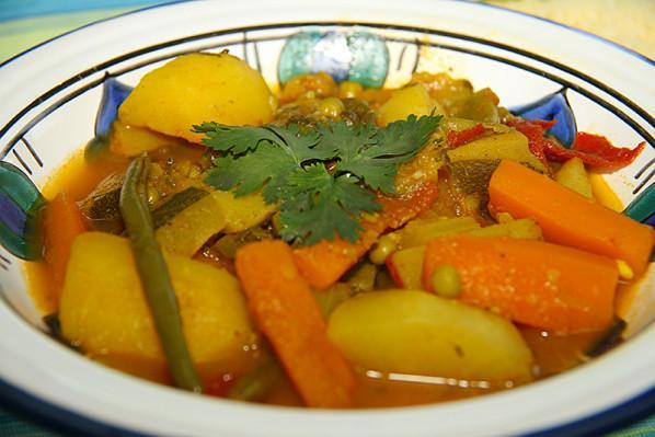 Tajine de légumes traditionnelle - Photo par jackieyZ