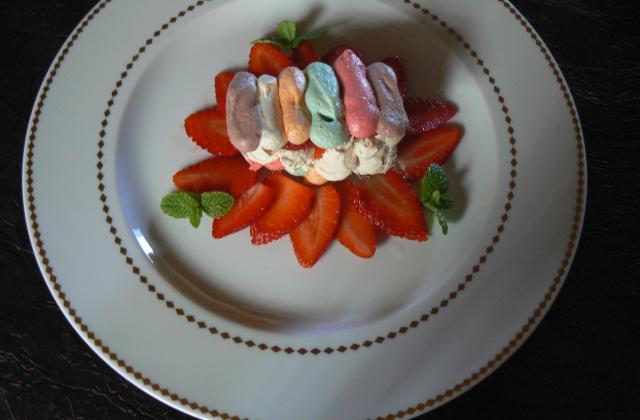 Pastel de fraises label rouge a la crème de confiture de lait - Photo par pascal93a