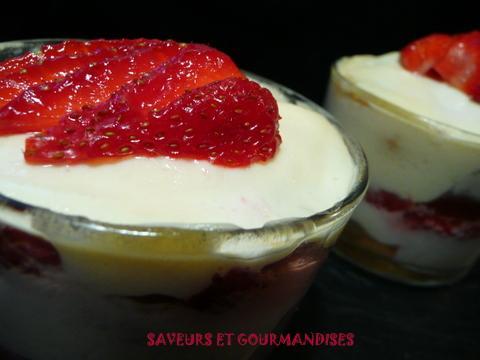 Tiramisu aux fraises gariguettes - Photo par Nadji.