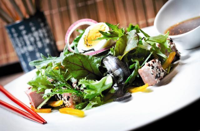 Salade César au pays du soleil levant - Photo par Tanoshi