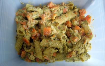 Penne au tofu sauce basilic-amandes - Photo par adelinaK