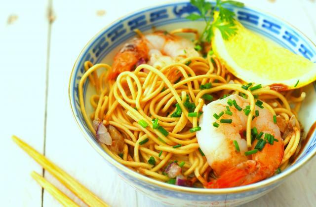 Bouillon asiatique de nouilles chinoises aux crevettes - Photo par 750g