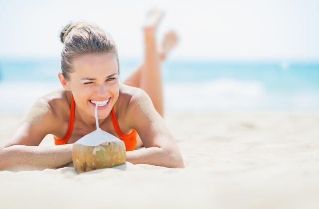 5 bonnes raisons de se mettre à l'eau de coco cet été - Photo par 750g