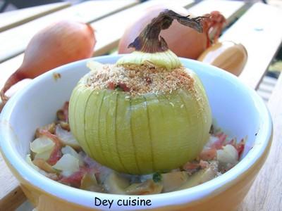 Oignons farcis aux champignons et aux petits lardons - Photo par DeyCuisine