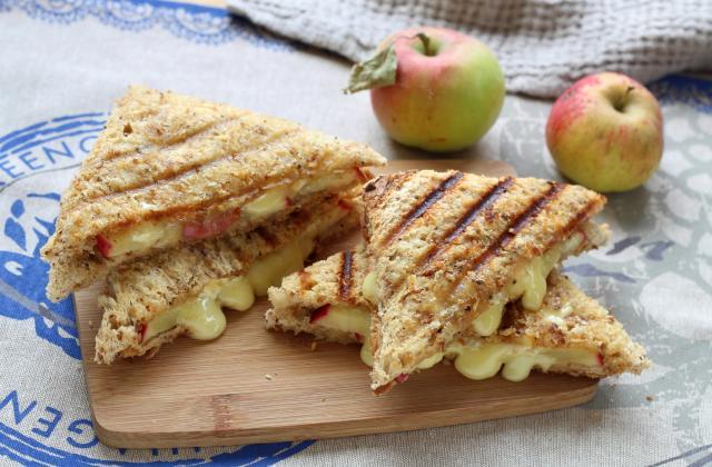 Croque-monsieur pomme et camembert - Photo par Silvia Santucci