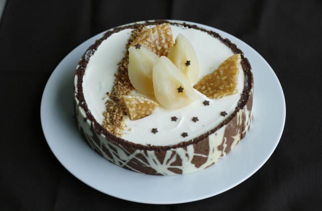 Croustillant praliné et mousse de poire dans son habit joconde imprimé - Photo par la cuisine caro