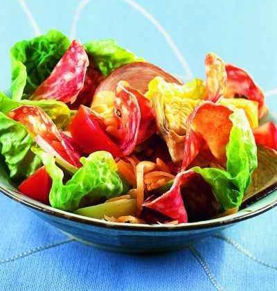 Salade Caesar, Saucisson Sec et Andouille - Photo par 750g