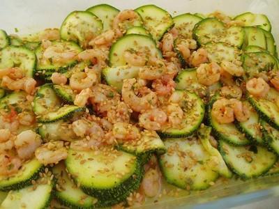 Courgettes et crevettes marinées au curry - Photo par newelm