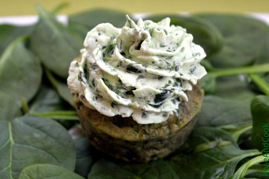 Cupcake aux épinards et fromage frais aux herbes - Photo par rose and cook