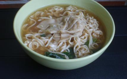 Soupe chinoise aux ravioles - Photo par adelinaK