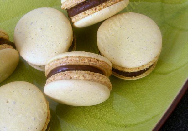 Macarons Chocolat Banane caramélisée - Photo par Sabrin