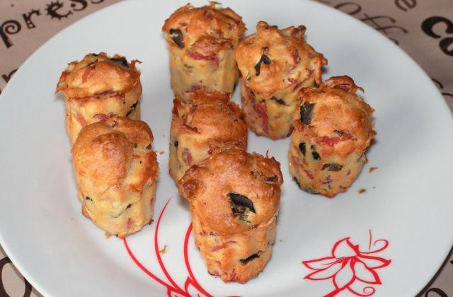 Mini-cannelés au jambon et aux olives - Photo par kekeli