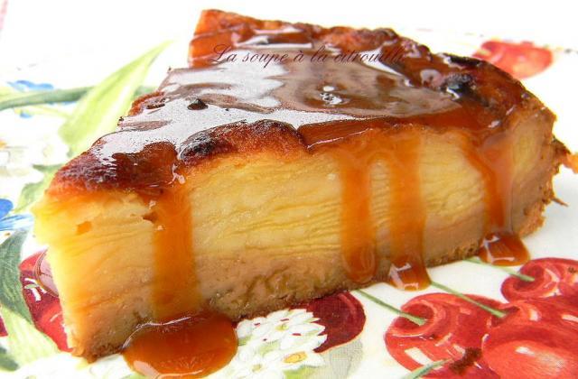 Gâteau invisible aux pommes et crème caramel au beurre salé - Photo par La soupe à la citrouille