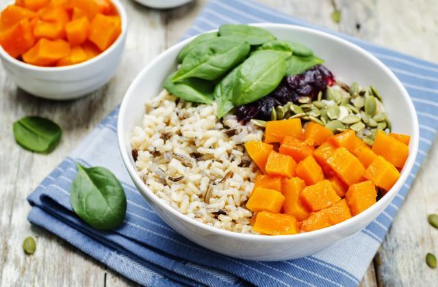 10 graines bonnes pour la santé pour booster vos salades - Photo par 750g