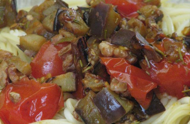 Spaghettis aux aubergines et aux noix - Photo par Membre_246200