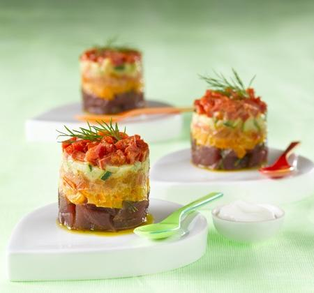 Tartare de thon et petits légumes - Photo par Bridelight