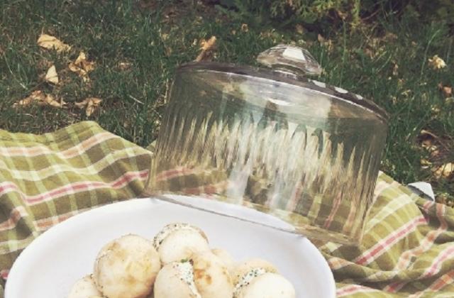Champignons fourrés au fromage frais, ail et persil - Photo par La petite cuisine de Sabine