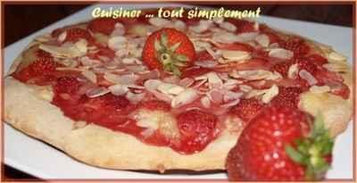 Pizza Fraises - Amandes - Photo par cuisinertoutsimplement