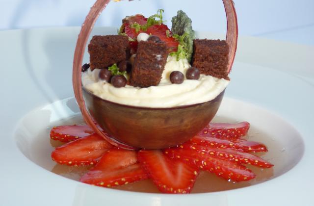 Douceur chocolatée printannière : chocolat, rhubarbe, guariguette et citron vert - Photo par Sandrine Baumann