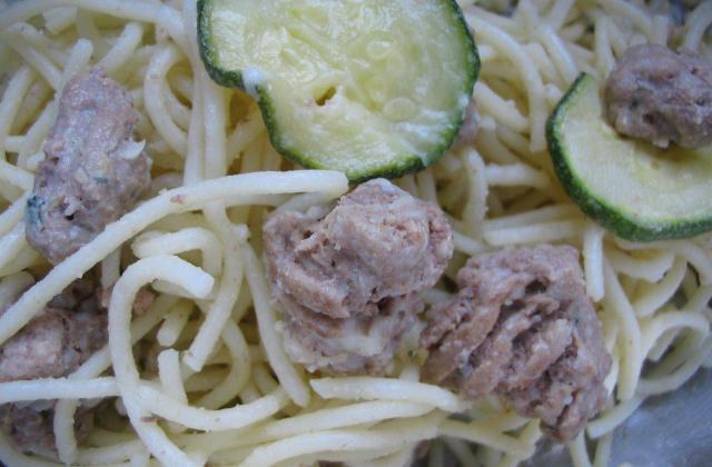 Spaghetti et poêlée de courgettes & steack au roquefort - Photo par sylvieBEU