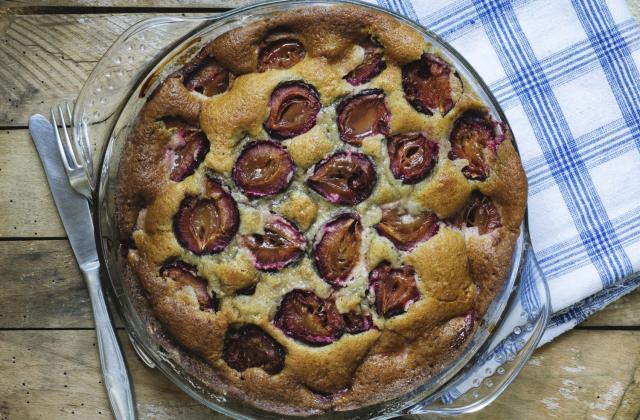 Gâteau aux prunes maison - Photo par 750g