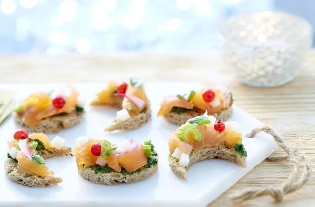 Toast'lune ceviche de saumon fumé de Norvège, poire, crème de cresson - Photo par Norge