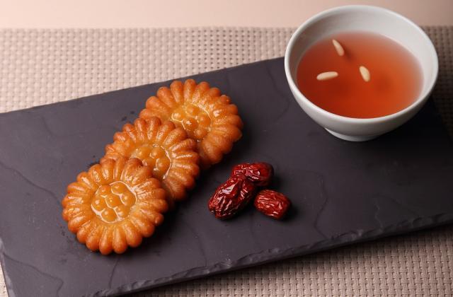 Yakgwa - Biscuits frits au gingembre et au miel - Photo par AT Korea