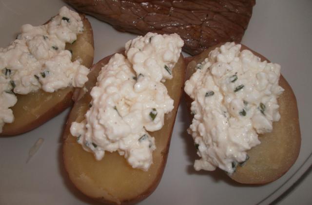 Pomme de terre à la sauce cottagecheese et ciboulette - Photo par Choupa52