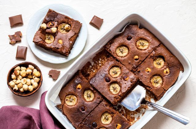 Brownie au chocolat, banane et noisettes - Photo par 750g
