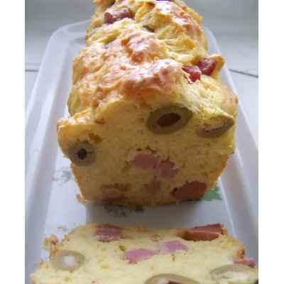 Cake aux olives et jambon - Photo par Simone Panet