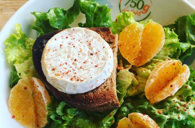 Salade au fromage de Rocamadour à la clémentine - Photo par 750g La Table