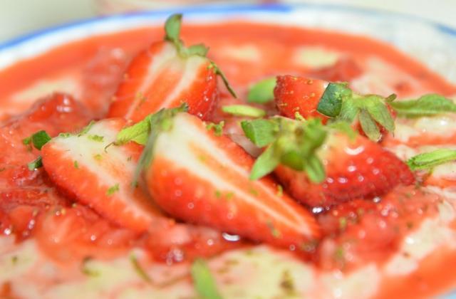 Riz au lait, fraises granitées au citron vert - Photo par Chef Damien
