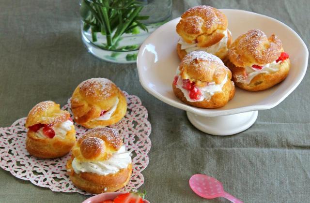 Petit chou à la crème et à la fraise - Photo par Fais-moi croquer!