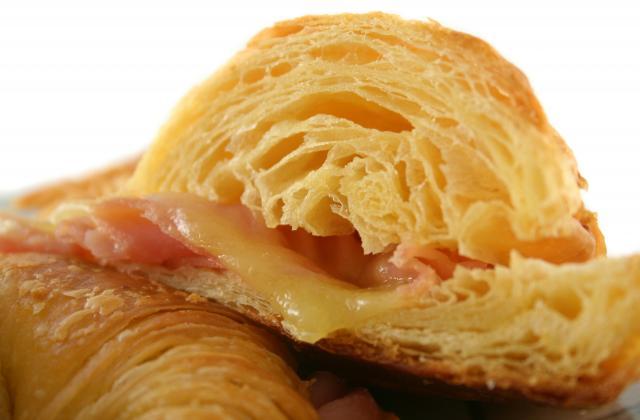 Croissant simple et rapide au fromage et jambon - Photo par Chef Christophe