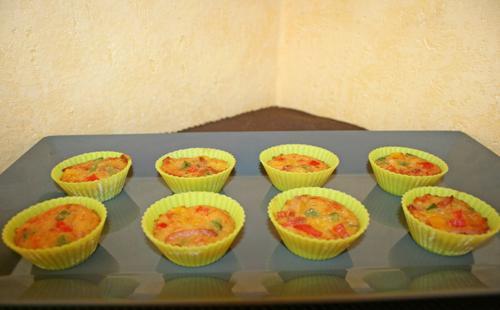 Minis muffins lardons aux trois poivrons - Photo par Aux bons p'tits prat