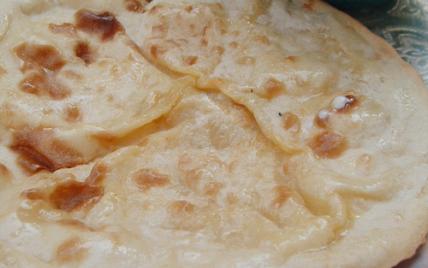 Pain indien le nan au fromage - Photo par pankaj