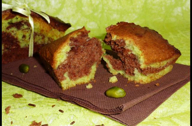 Minis cakes marbré pistache et chocolat - Photo par les gourmandises de chloe