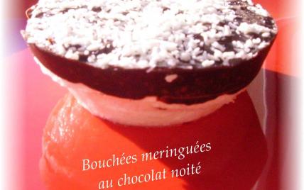Bouchées meringuées au chocolat noité - Photo par aroyero