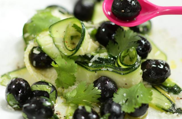 Olives noires d'Espagne - Entre filles - Olives d'Espagne et tagliatelles de courgettes - Photo par Saveurs d'Olives, Saveurs d'Espagne !