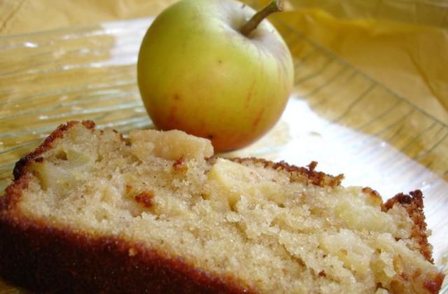 Cake aux pommes et sa confiture d'abricot - Photo par mimiyaD