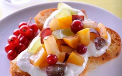 Tartine aux fruits d'été - Photo par Francine