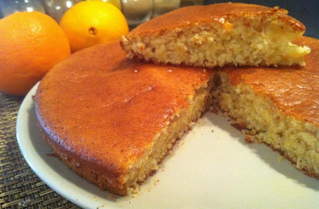 Gâteau au yaourt à l'orange, sans œufs ! - Photo par LifeLoveandChocolate