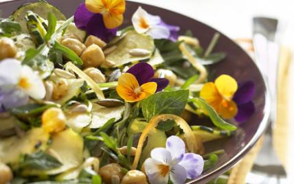 Salade de courgettes et de pois chiches bien pensée - Photo par gwenSC