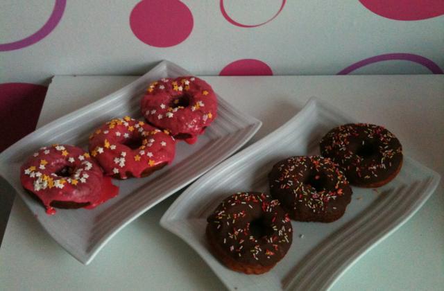 Donuts colorés aux flocons de pommes de terre - Photo par sandrai2