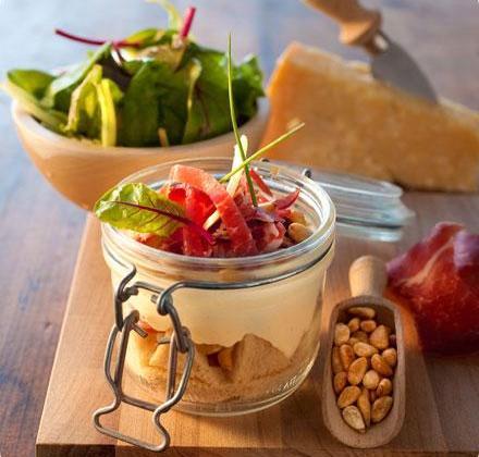 Tiramisù parmesan, coppa et pignons de pin - Photo par garancQ